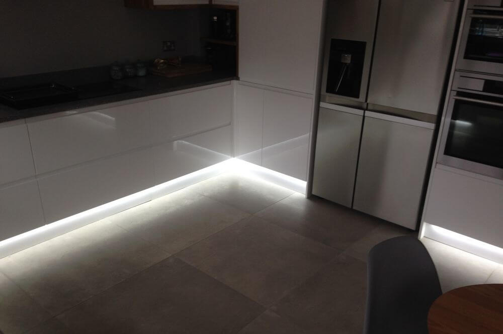 under-cabinet-lighting (3)